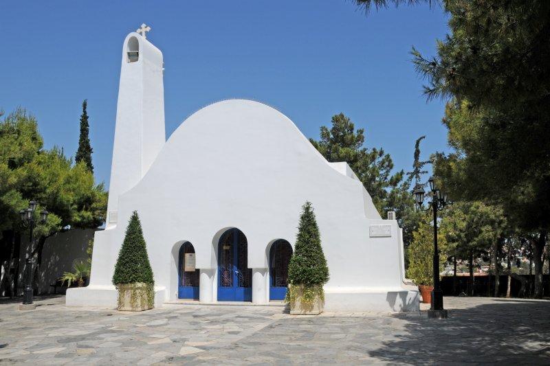 http://www.2steps.gr/themes/photos/0001/074/000266/b/2steps_churches_agios_georgios_kavouri_attica_001.jpg